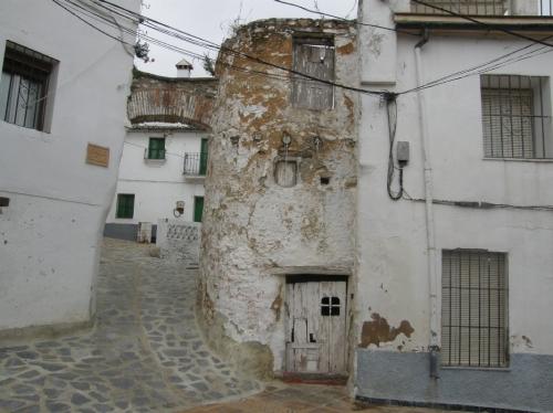 Arco de entrada de la calle Altillo, en Parauta.