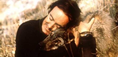 Félix Rodríguez de la Fuente y un terrible lobo feroz. ;)